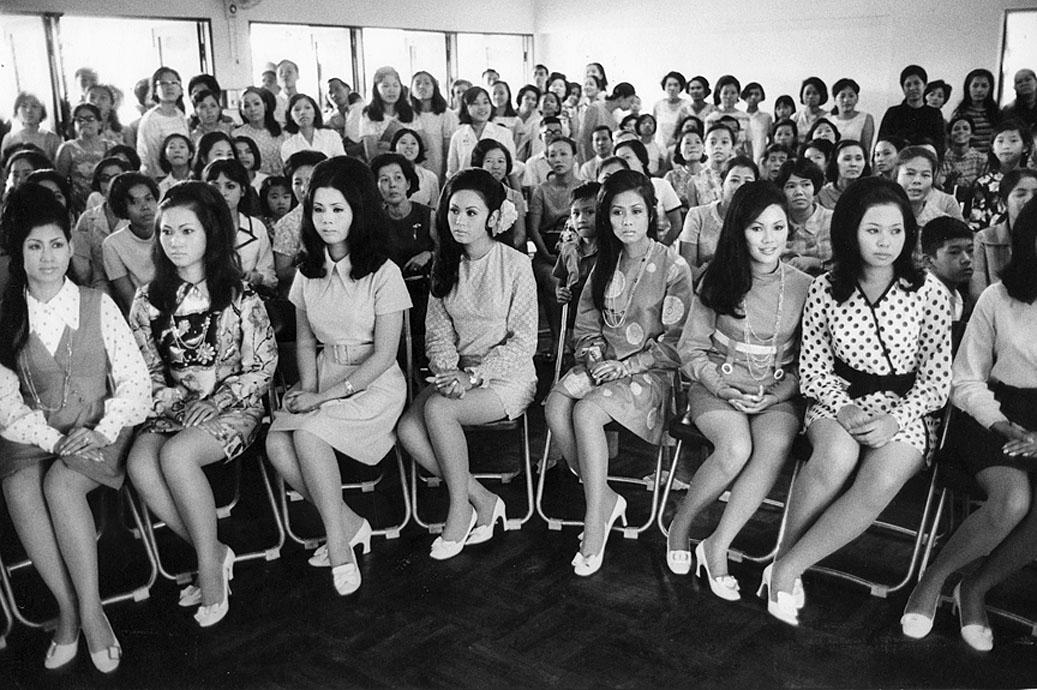 1969 Bangkok - Lovely {Western-types} Hiso wannabes.jpg