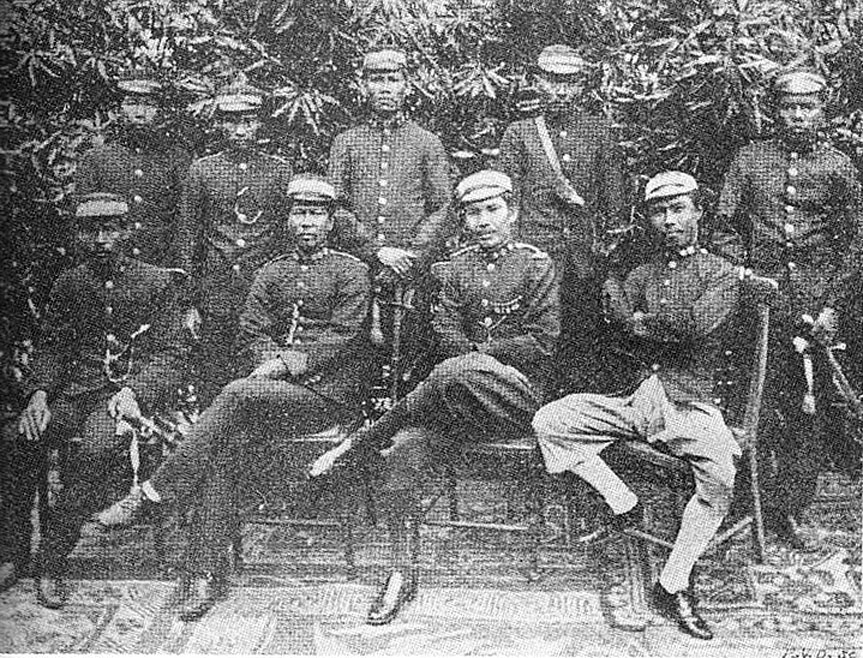 1891 Siamese soldiers & officers offer a portrait.jpg