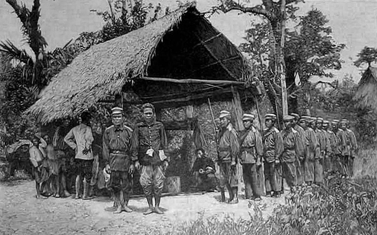 1893 Siamese Army in Laos.jpg