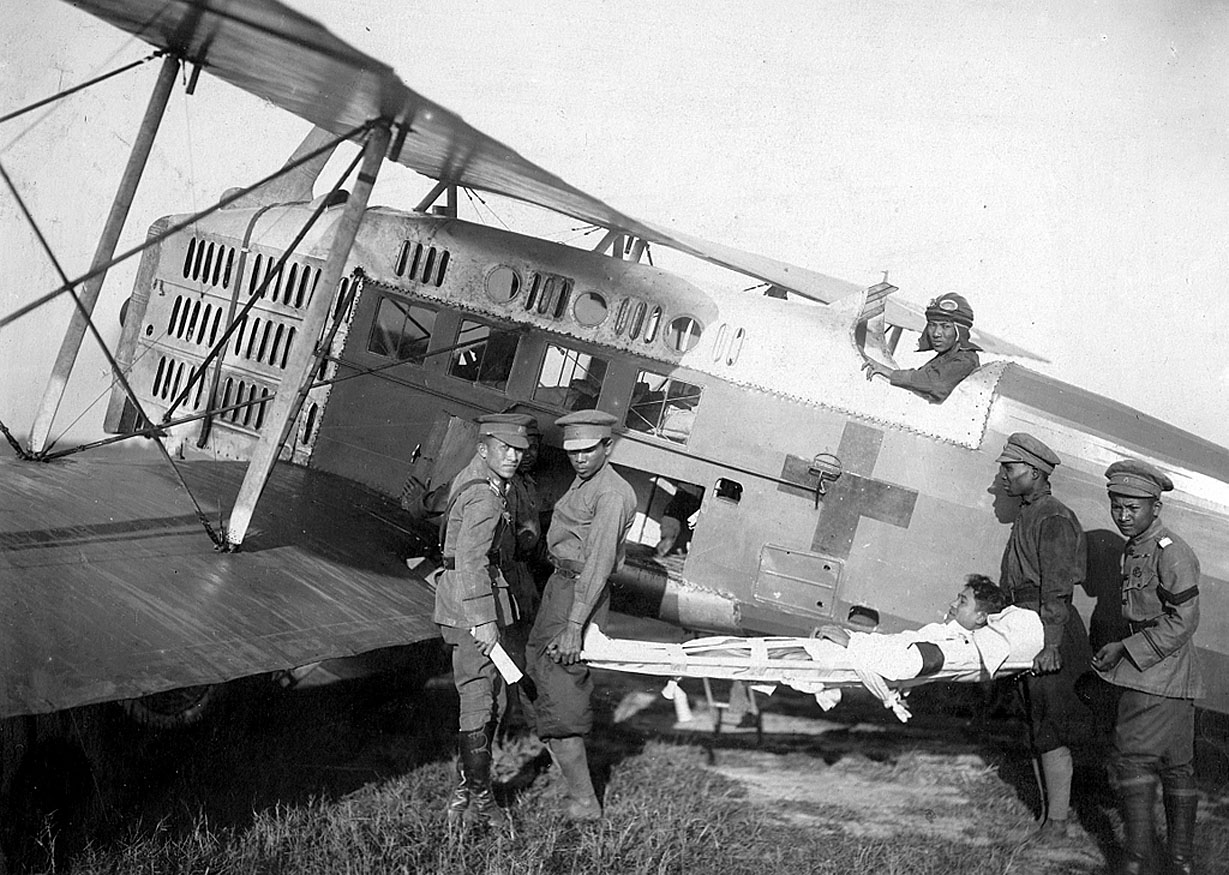 1922 Air 'Ambulance' {Royal Military} 02.JPG