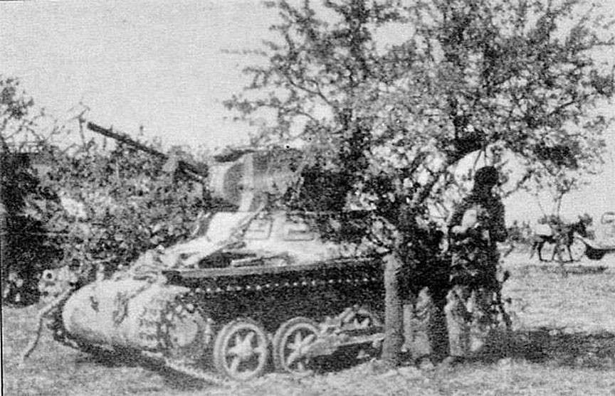 1935 Thai Army Tank {Breda Panzer 120mm}.jpg
