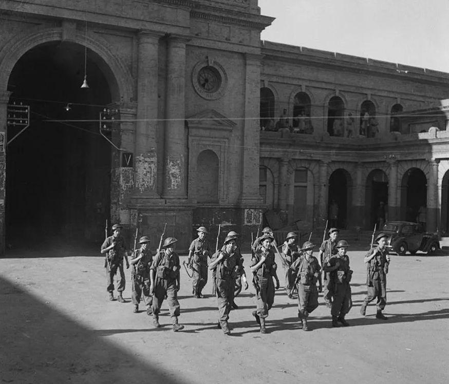 Солдаты 1го батальона Уилтширского полка во время беспорядков. Амритсар, март 1947г.