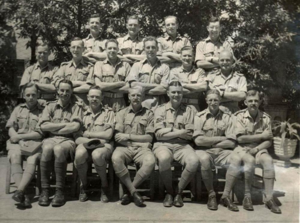 Офицеры №2 Коммандо в Гибралтаре, 1943г. Веллингтон - третий слева в первом ряду, Д. Черчилль - четвертый. Пятеро из офицеров на снимке погибнут в Салерно.