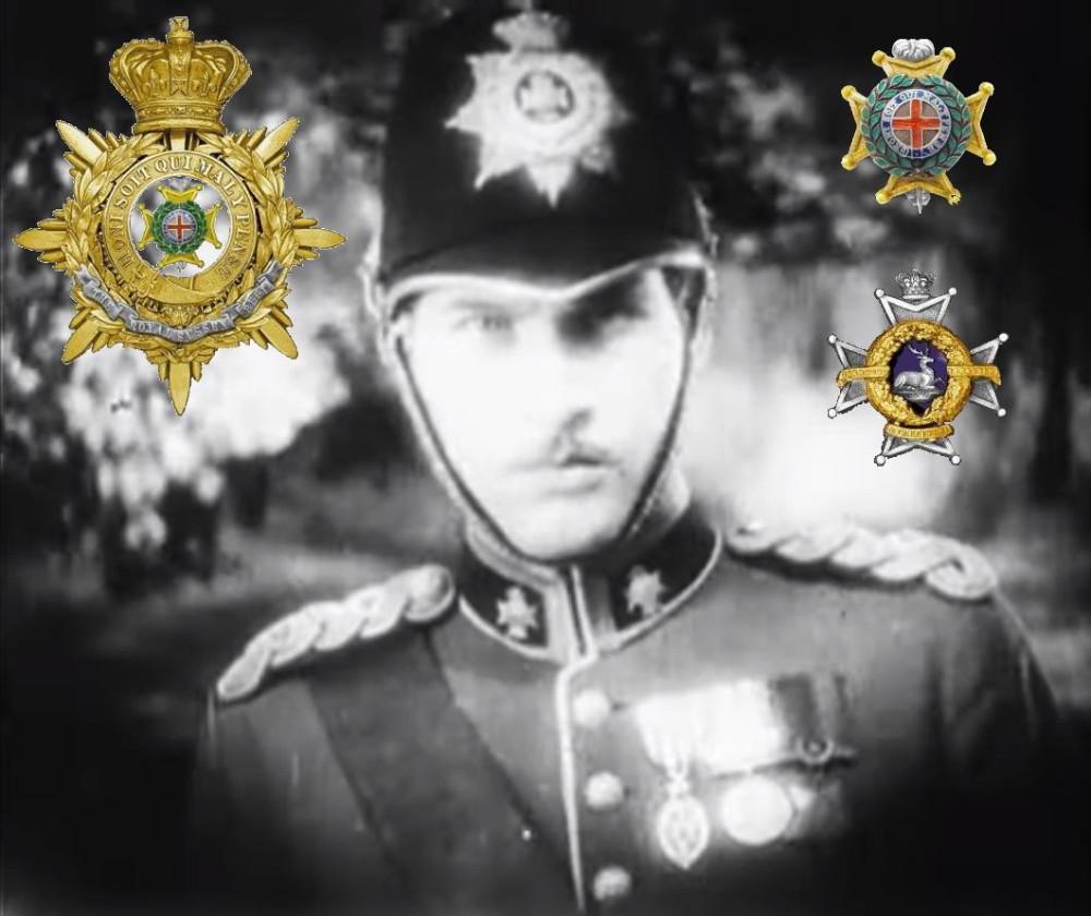 «Четыре пера» (1929). Слева и справа вверху - символика Королевского Сассекского полка. Справа внизу - петличный знак Шервудских лесников. Награды Февершэма разберем ниже.