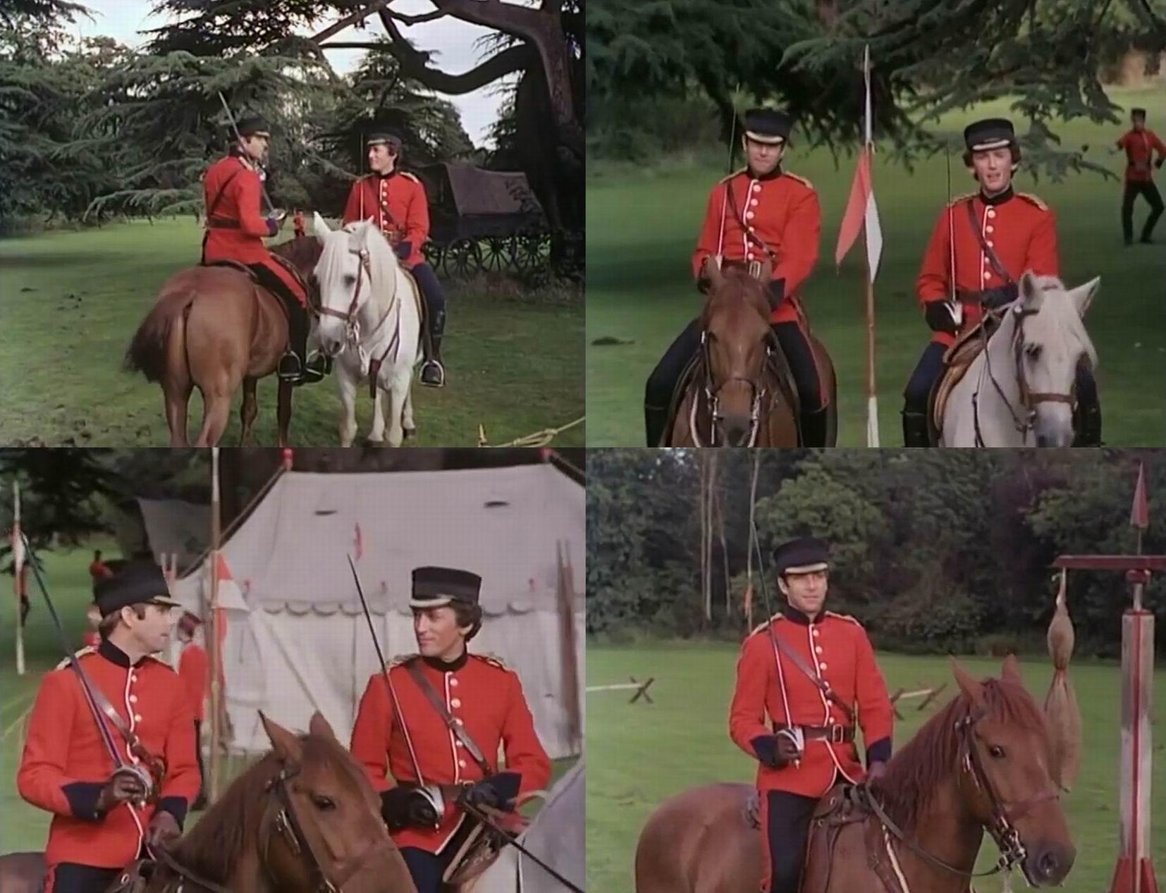 Главные герои на конной тренировке. Нет ни кокард, ни петличных знаков.