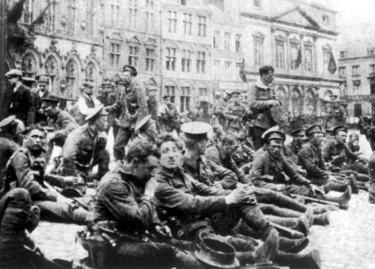 Британская пехота на привале, Франция, август 1914г.