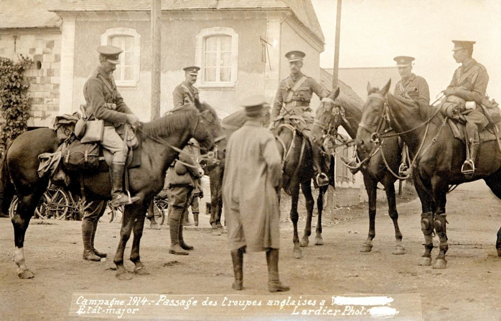 Подполковник Д.Г. Моррис и офицеры Ирландской Гвардии, Франция, август 1914г.