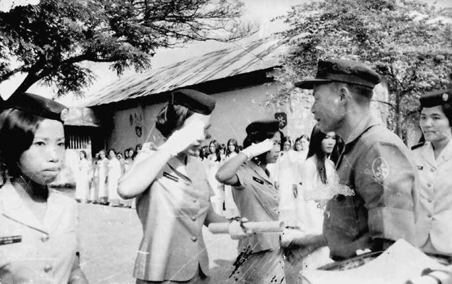 Выпускницы военного училища в Сайгоне, 1973г.