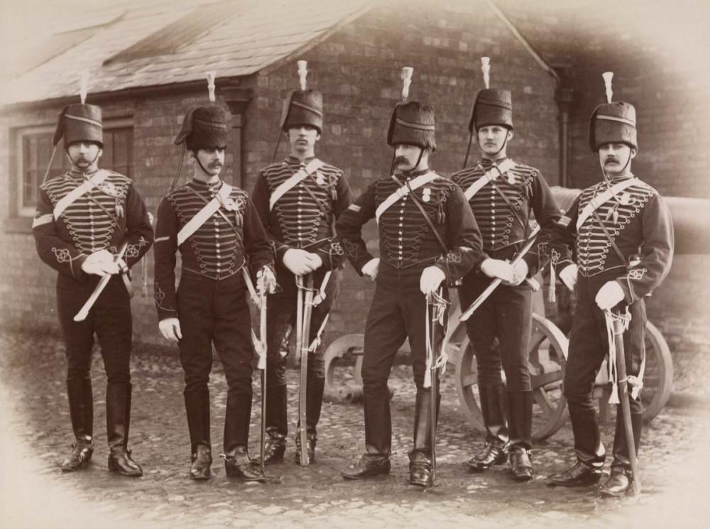 Отличившиеся в Египетской экспедиции 1882г. конно-артиллеристы в парадной форме.