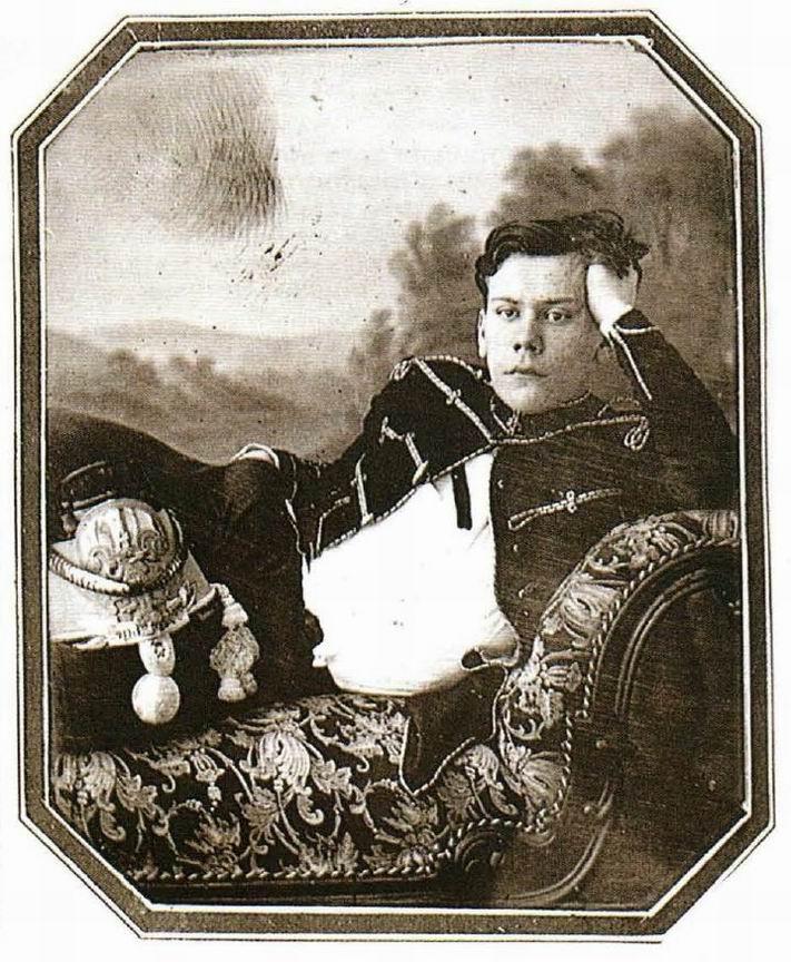 """Гусарский офицер, дагерротип начало 1850х гг. Редкое """"фотографическое"""" изображение человека той эпохи, а не привычное для XIX века живописное, гравюрное или графическое."""