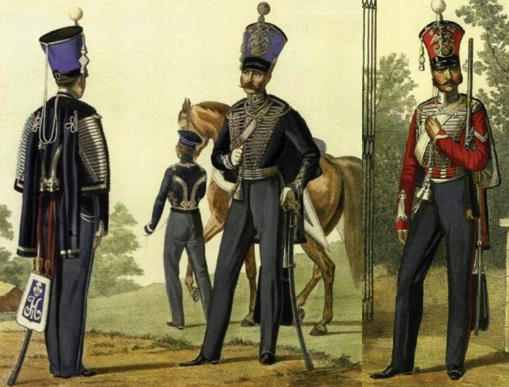 Слева — Клястицкие гусары в 1838-43гг, справа — Изюмский в 1843г.