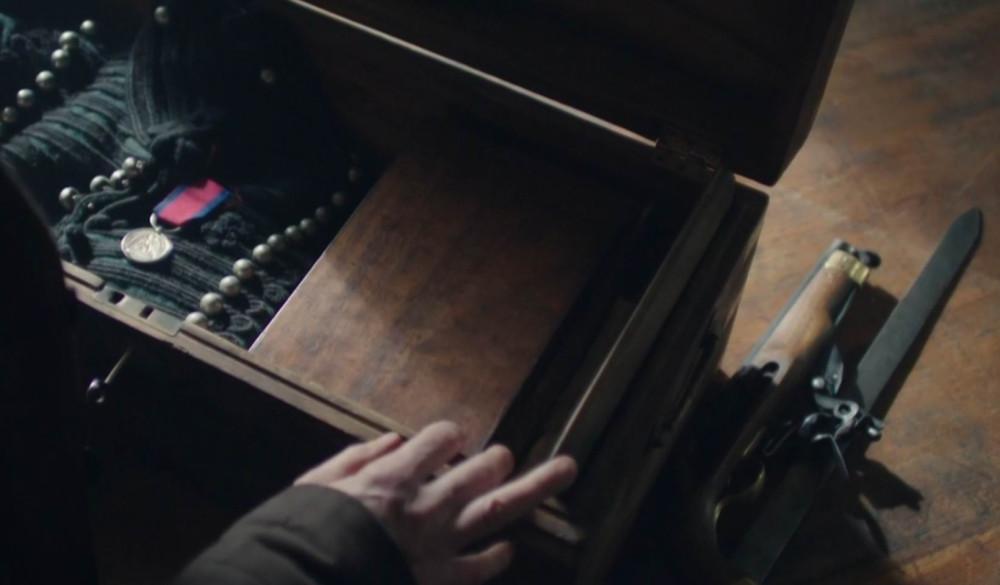 """Шон Бин был при Ватерлоо. Дважды! Как стрелок Шарп, и как инспектор Джон Марлотт из """"Хроник Франкенштейна"""" (кадр из сериала)."""