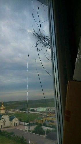 прострелянное окно