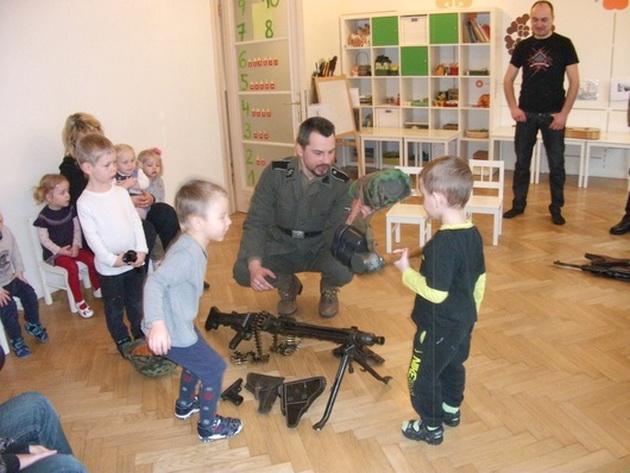 Как детишкам Латвии рассказывают про