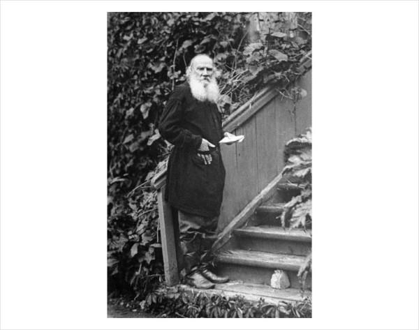 43-44 Л.Н. Толстой. 1910 г. Кочеты. Фото В.Г. Черткова
