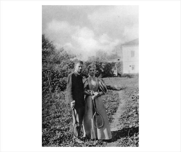 69 Лев Львович Толстой и Дора Федоровна Вестерлунд. 1896 г. Ясная Поляна. Фото С.А. Толстой