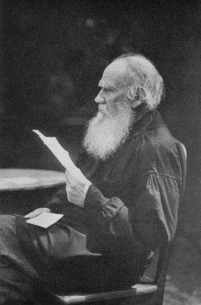 79 Л.Н. Толстой. Кочеты 1910. Фотография В.Г. Чертков.