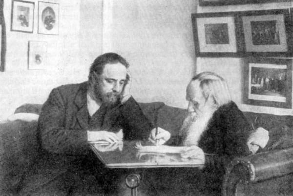 87 Л.Н. Толстой и В.Г. Чертков. 1909 г. Ясная Поляна. Фото Т. Тапселя
