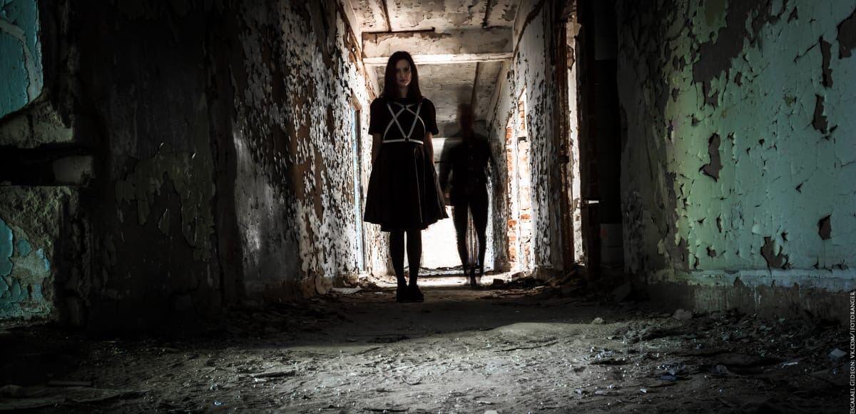 Когда призраки оживают. Фотосессия в заброшенном здании.
