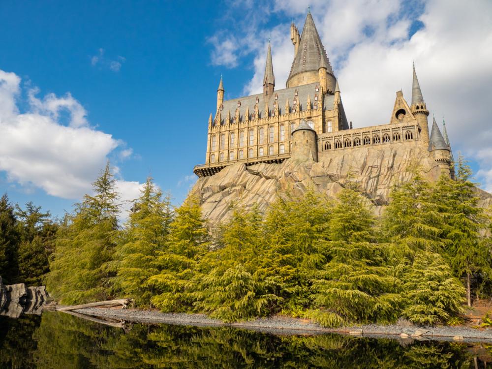 Фанам Гарри Поттера там раздолье
