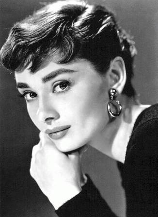 kinopoisk.ru-Audrey-Hepburn-499291