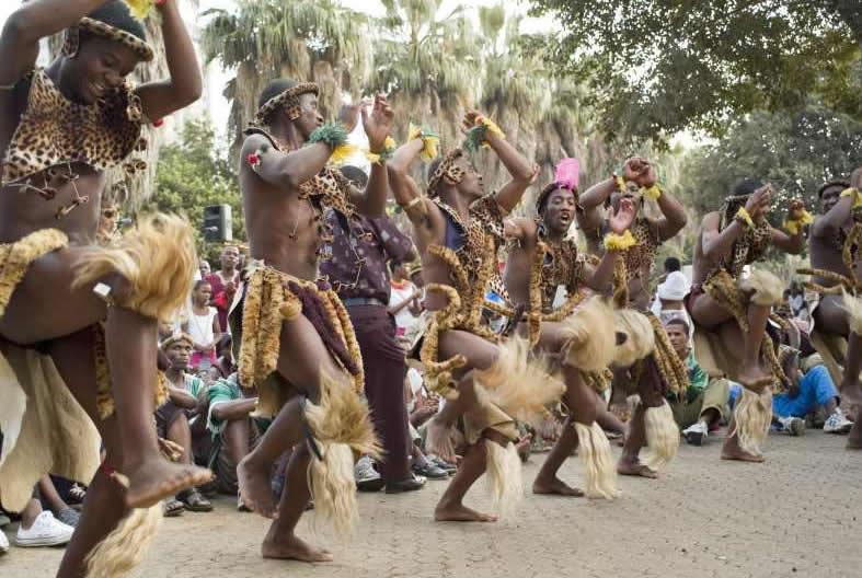 Танцы африканских туземок смотреть онлайн, порно с необычными органами