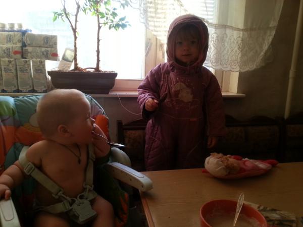 Нескучный день с двумя погодками, доча 2.5 и сына 11 месяцев 20131109_093751