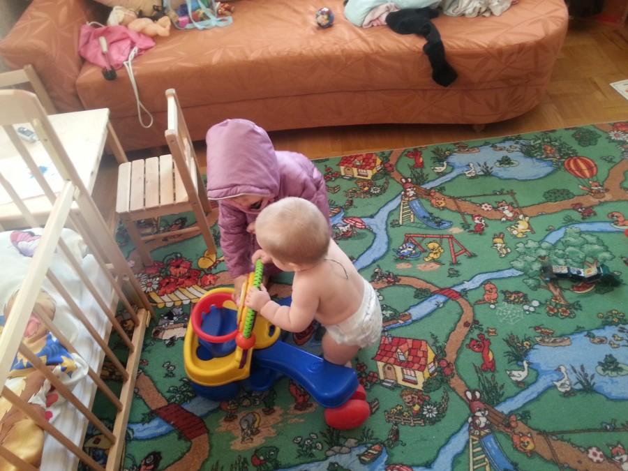 Нескучный день с двумя погодками, доча 2.5 и сына 11 месяцев 20131109_100009