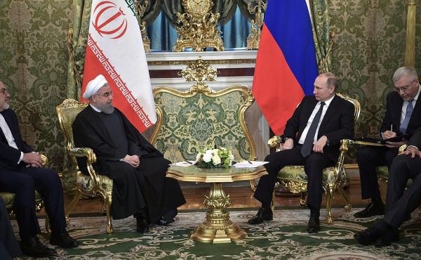 Президент РФ пообщался с президентом Ирана