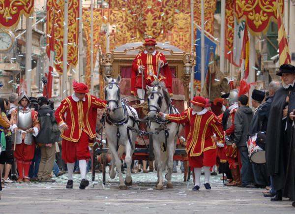 In-Guardia-Parade_viewingmalta.com2.jpg