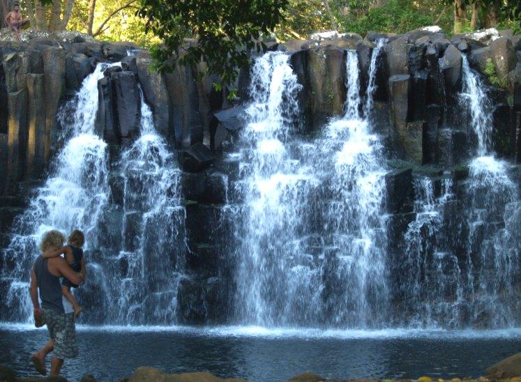 водопад лава