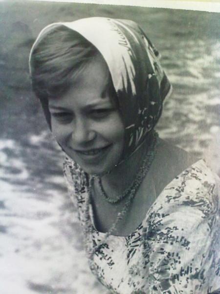 ИРИНА  НА  КАТЕРЕ  ЯЛТА   1961
