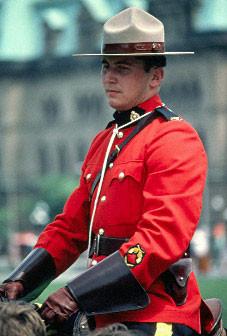 0002 ROYAL CANADIAN POLICE