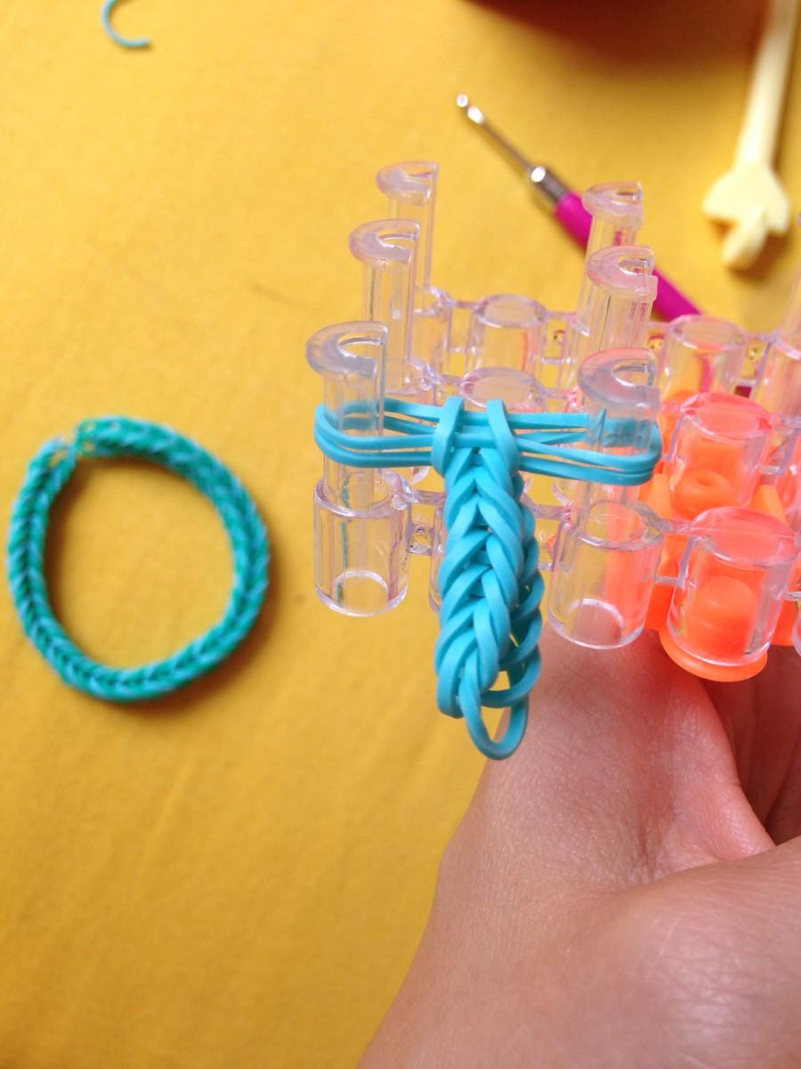 Как сделать фигурки из резиночек для плетения браслетов