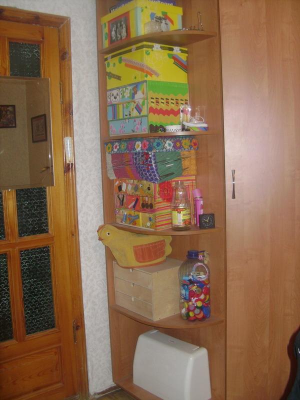 угол шкафа