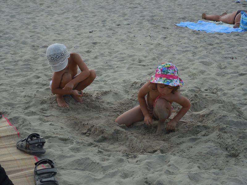 панамка на песке