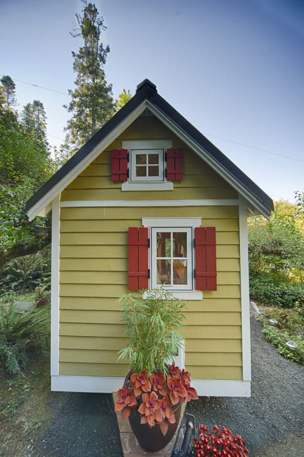 Tiny-Bungalow-House-Fencl_15
