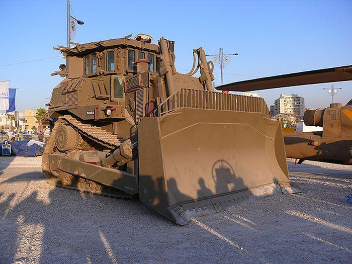 bulnulldozer-po-prozviwu-pluwevyj-miwka-0-001