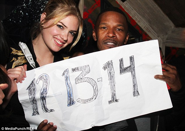 2412931B00000578-2875460-Special_day_And_a_special_number_Kate_and_Jamie_held_up_a_hand_m-a-2_1418692766194