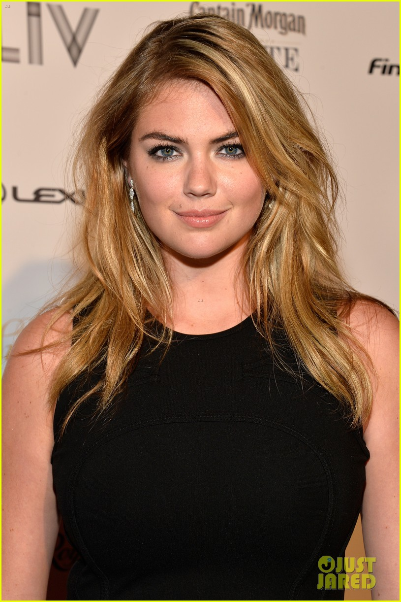 kate-upton-anne-v-heat-up-the-sports-illustrated-miami-party-06