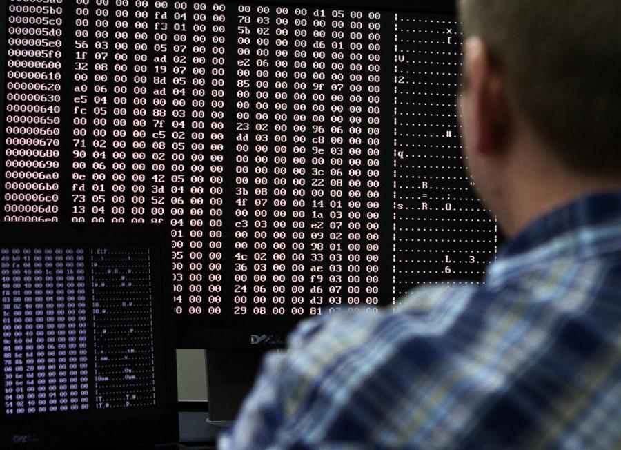 Панический страх перед русскими хакерами. Взломали всё