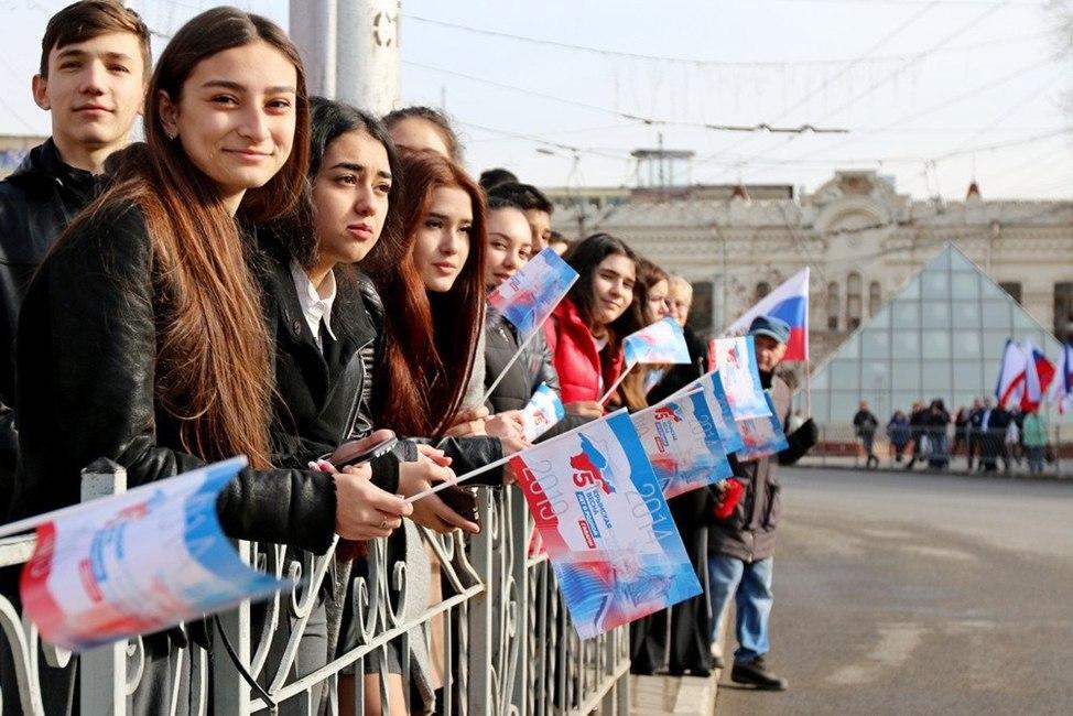НАТО плакало, пока Крым праздновал
