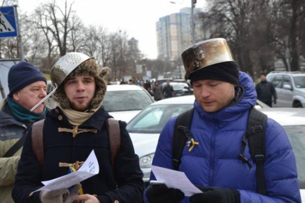 """В очередном """"путинском гумконвое"""" были обнаружены военные шлемы, - Госпогранслужба - Цензор.НЕТ 7280"""