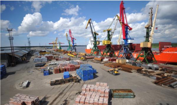 Тем временем РФ переводит тарифы в своих портах с у.е. на рубли