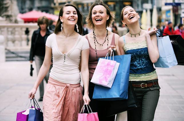 75091497_3996158_shoppinginitaly2