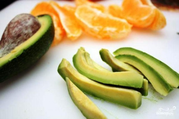 салат из сладкого перца с авокадо