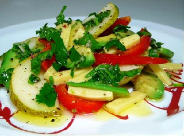 салат из авокадо и груши