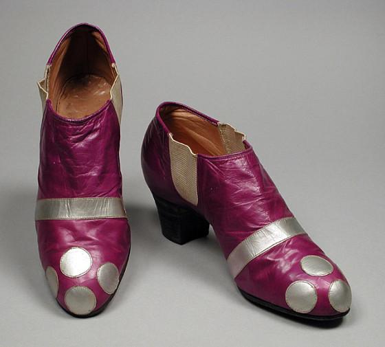 Erte - 1920-е театральная обувь.jpg