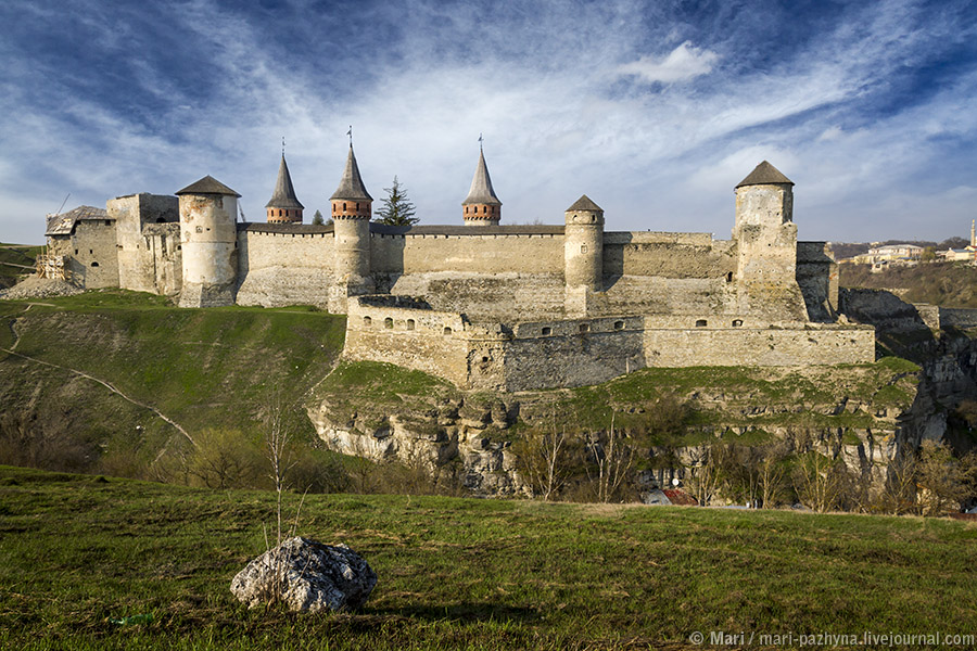 фото замок каменец-подольский