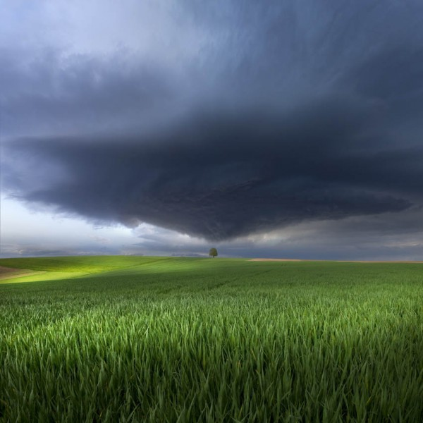 Thunderstorm-cell-over-the-Alb-plateau-600x600
